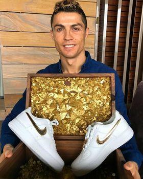 Giày Ronaldo tự thiết kế - Nike AF1 CR7